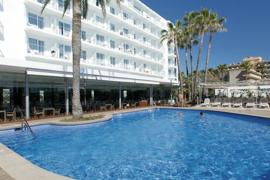 Hotel riu san francisco hotel in majorca hotel in spain for Kapfer pool design mallorca