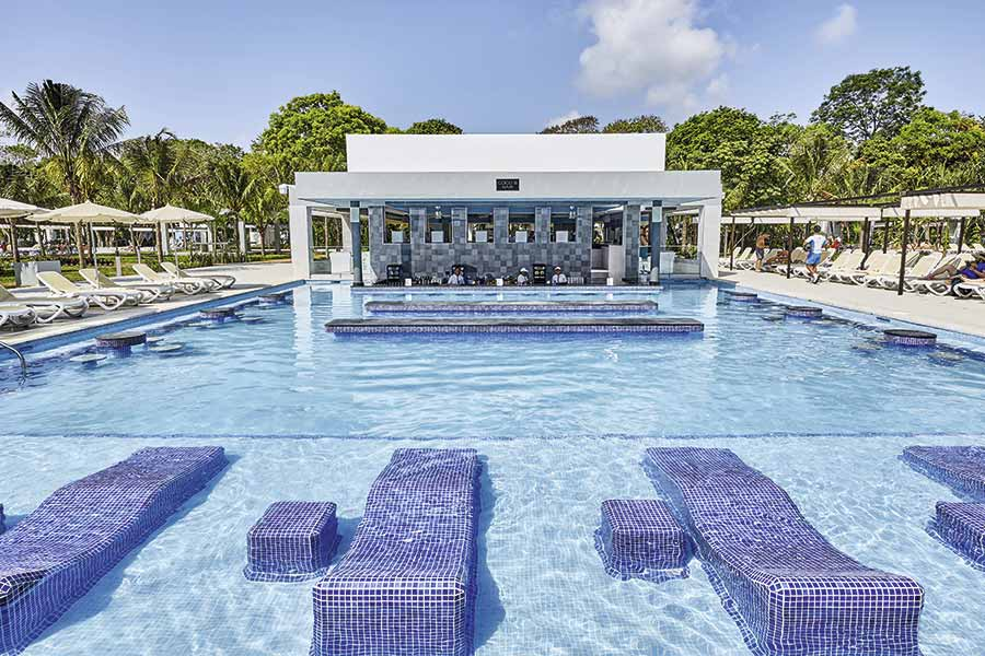 Hotel Riu Tequila - Outdoor pool