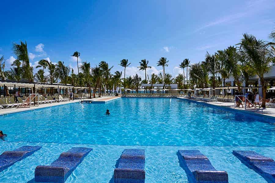 Hotel Riu Bambu - Outdoor pool