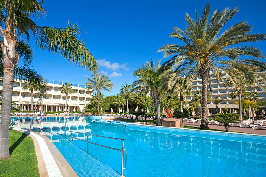 Hotel Riu Guarana - Outdoor pool