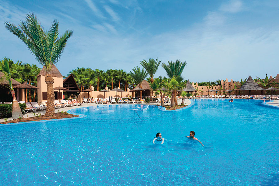 Hotel Riu Funana - Outdoor pool