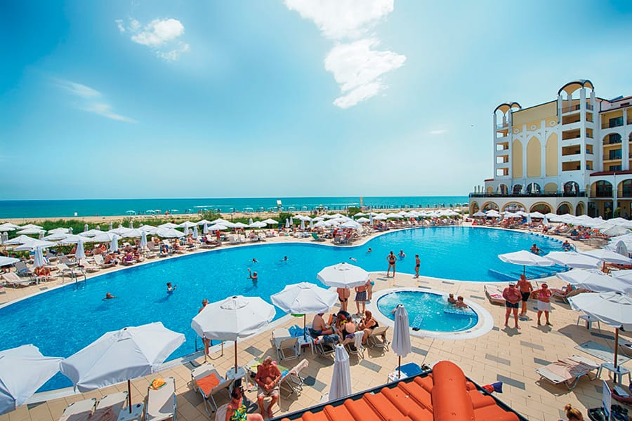 Hotel Riu Helios Bay - Outdoor pool