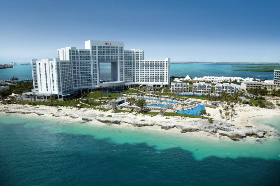 Hotel Riu Palace Peninsula - Beach