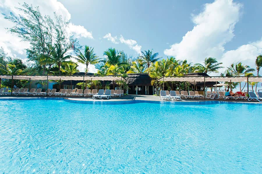 Hotel Riu Le Morne - Outdoor pool