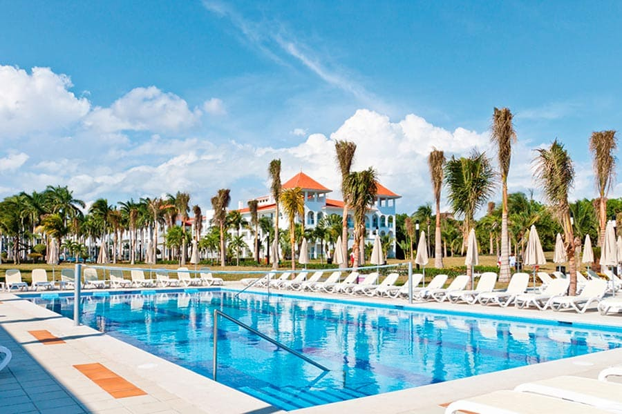 Hotel Riu Palace Mexico - Outdoor pool