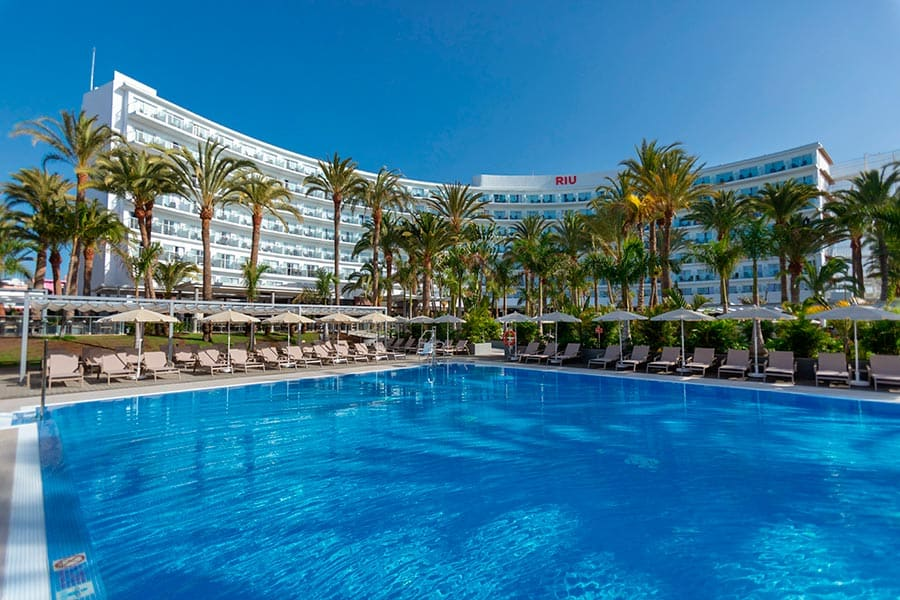 Hotel Riu Palace Palmeras - Outdoor pool