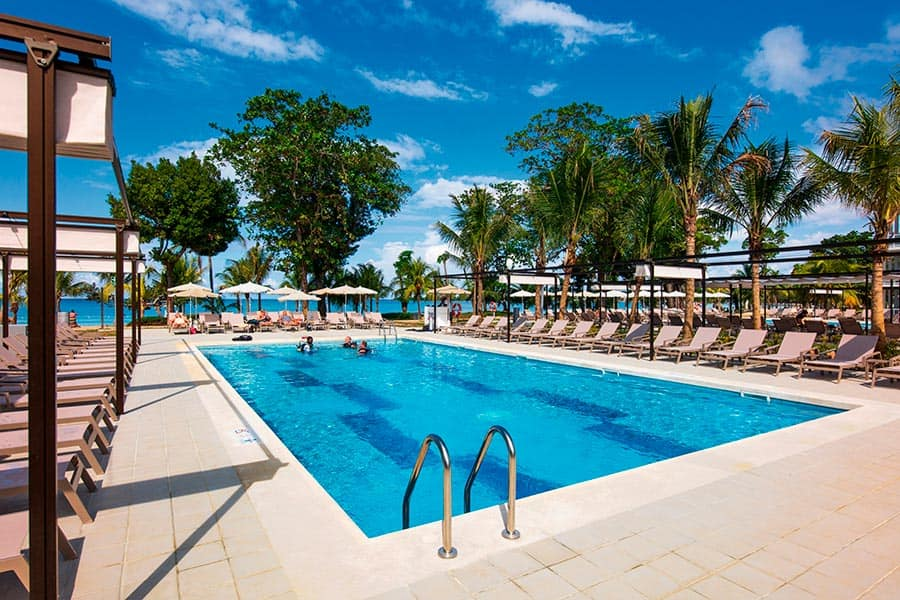 Hotel Riu Palace Tropical Bay - Outdoor pool